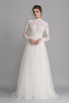 15 Dreamy Long sleeve wedding dresses that you want to wear - long-sleeved weddi. - - 15 Dreamy Long sleeve wedding dresses that you want to wear – long-sleeved wedding dress , wedding gown Source by Pretty Wedding Dresses, Wedding Dress Trends, Bridal Dresses, Long Sleeved Wedding Dresses, Modern Wedding Dresses, Wedding Ideas, Wedding Photos, Wedding Decorations, Bridesmaid Dresses