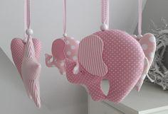 Mobile  -  Elefanten,Herzen,Sterne rosa von Feinerlei auf DaWanda.com