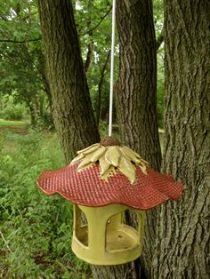 Blossom Top Bird Feeder. Love this.