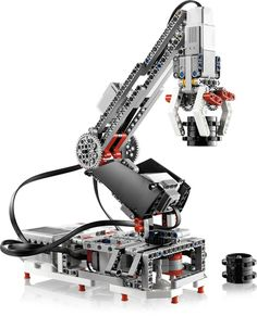 Lego Mindstorms makes programmable robotics easier than ever (pictures) Although Lego will provide buyers with instructions for 17 different robots, it hopes that the user community will share thousands of other unique designs. – Page 7 Lego Nxt, Robot Lego, Lego Toys, Robots, Robot Arm, Lego Mindstorms, Lego Technic, Robotics Engineering, Robotics Projects
