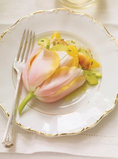 Ricardo's recipe: Scallop and Orange Salad in a Tulip ~ http://www.onegreenplanet.org/plant-based-recipes/vegan-tofu-scallops/