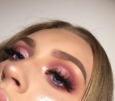 Glam Makeup, Pink Eye Makeup, Makeup Eye Looks, Cute Makeup, Pretty Makeup, Eyeshadow Makeup, Beauty Makeup, Hair Makeup, Gorgeous Makeup