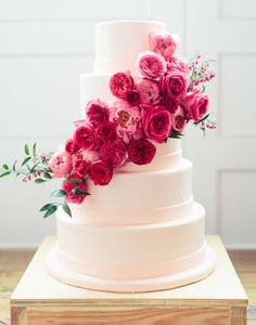 100 Wedding Cakes that WOW - The Wedding Chicks.... 100 different design ideas to look through