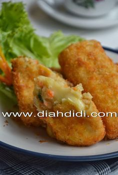 Indonesian Desserts, Indonesian Food, Indonesian Recipes, Savory Snacks, Snack Recipes, Cooking Recipes, Yummy Recipes, Yummy Food, Kitchens