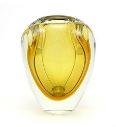 KAJ FRANCK - Glass vase model KF 106 designed in 1951 for Nuutajärvi Notsjö, in production 1951-1964, Finland.   [h. 11 cm] Glass Design, Design Art, Cast Glass, Glass Birds, Shades Of Yellow, Colored Glass, Glass Art, Contemporary Art, Perfume Bottles