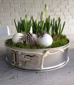 home decor easter diy - home decor easter . home decor easter diy . home decor easter beautiful . home decor easter basket . home decor easter eggs . easter decor ideas for the home . easter decorations dollar store home decor . easter home decor ideas Easter Table, Easter Eggs, Spring Decoration, Windowsill Decoration, Fall Decor, Diy Pinterest, Spring Cake, Deco Floral, Easter Wreaths