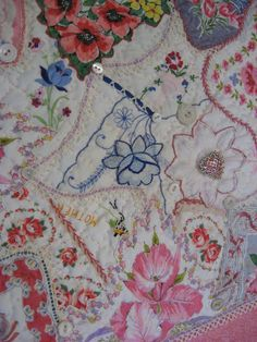 Mary's Meanderings: What to do with all those Vintage Hankies? Make a Quilt!