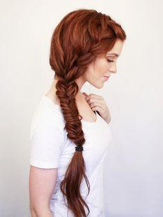Ideas de peinados con trenzas ideales para el verano. Entra en el enlace para ver más.