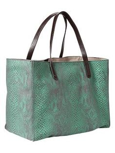 Can't wait for this to arrive.  LOVED it in the store and loved it more when I saved $15 buy ordering it online.  Woo hoo!