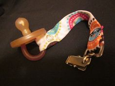 Chupete (pacifier) Leash Holder - Day 15 @createstuff #30daysofcreativity
