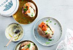 Kylmäsavulohi monitoimiherkku: loihdit kalasta näppärästi niin nopeat pastat, illanistujaisten herkut kuin juhlapöydän parhaat tarjottavatkin. Hummus, Seafood, Sea Food, Seafood Dishes