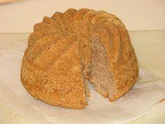 Gluteenitonta leivontaa: Luumukakku