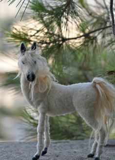 Needle felted horse. OOAK Collectible artist wool soft sculpture by Daria Lvovsky. Ready to shipp. $150.00, via Etsy. ~locks