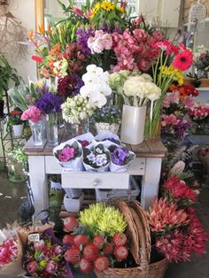 Oatley House of Flowers. Florist & owner Michelle creates beautiful, bespoke arrangements. Just in are hanging macramé plant holders that have made a come-back. The window display is a show stopper & a visual feast. If you can't get there yourself then order online. #love #share #oatley#mcgrathstgeorge