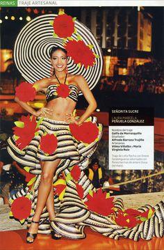 colombian costume Samba Costume, Costume Dress, Cosplay Costumes, Carmen Miranda, Carnival Outfit Carribean, Latino Girls, Dance Boots, Spanish Dancer, Carnival Outfits