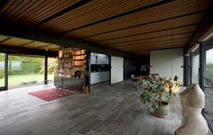 Ejendommen er tegnet og opført 1958 af arkitekt, professor Halldor Gunnløgsson som privatbolig.