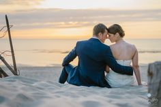 Photographe mariage en France. French wedding photographer  #photographe #mariage #french #wedding #photographer #love #plage #couchédesoleil