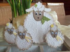 Momma and her babies ~ punch art Paper Punch Art, Punch Art Cards, Baby Cards, Kids Cards, Sheep Cards, Craft Punches, Animal Cards, Creative Cards, Cute Cards