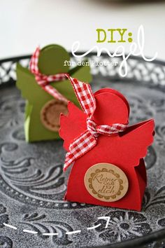 Diy Gifts Christmas: {Freebie:} angel file for the plotter - file to do . Christmas Gift Box, All Things Christmas, Christmas Time, Christmas Crafts, Christmas Decorations, Christmas Ornaments, Diy And Crafts, Crafts For Kids, Paper Crafts