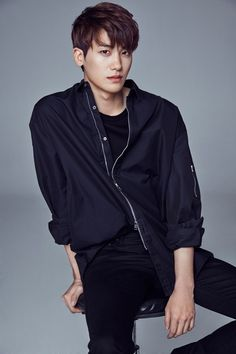 Park Hyung Sik with his new agency UAA (home of Song Hye Kyo & Yoo Ah In) Park Hyung Sik, Korean Star, Korean Men, Asian Men, Asian Boys, Korean People, Asian Celebrities, Asian Actors, Korean Actors