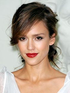 Jessica Alba Hairstyles | July 6, 2010 | DailyMakeover.com