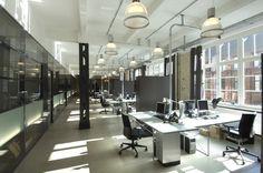 Umbau einer Industrieetage in einem Gewerbekomplex aus dem 19. Jahrhundert zu einem Büroloft für Film- und Fernsehproduktion mit modernen Schnitt- und Tonplätzen