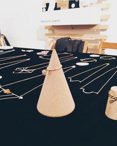 1 8 . K  e n @pessebremarket  #heroinejewels #pessebremarket #valencia #handmadejewelry #jewelry #jewels #mediterranean #geometry #ring #rings