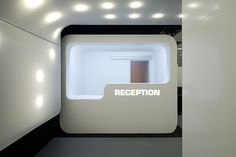 Recepción. Sleepbox Hotel Tverskaya por Arch Group.