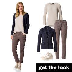 Blazer in Denim-Optik, Strickpullover und Hose mit Crinkle-Effekt von zero! #zerofashion #getthelook #outfit #ootd