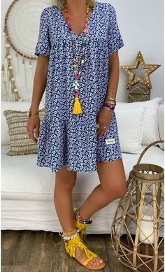 Petite Robe Chloé Bleu Marigold – Style is art Cute Summer Outfits, Summer Dresses, Casual Dresses, Fashion Dresses, Fashion Fashion, Petite Outfits, Petite Fashion, Sewing Clothes, Casual Looks