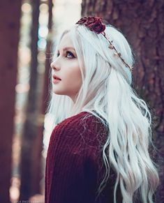 Asian Beauty — IG: P/s:she is not asian Fantasy Photography, Girl Photography, Photographie Portrait Inspiration, Female Character Inspiration, White Hair, Aesthetic Girl, Witch Aesthetic, Stylish Girl, Belle Photo