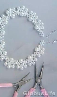 Handmade Beaded Jewelry, Beaded Jewelry Patterns, Handmade Necklaces, Pearl Necklace Designs, Diy Necklace, Diy Bracelets Patterns, Beaded Bracelets, Diy Schmuck, Bead Jewellery