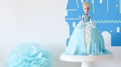 00_torte mit barbiepuppe_cinderellatorte_www.jubeltage.at Cinderella, Disney Princess, Disney Characters, Birthday, Blog, Fondant, Frozen, Deco, Tutorials