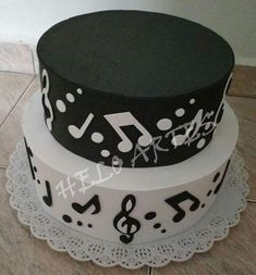 Music Themed Cakes, Music Cakes, Easy Kids Birthday Cakes, 30th Birthday Parties, Easy Smoothie Recipes, Easy Smoothies, Bolo Musical, Coconut Smoothie, Pumpkin Spice Cupcakes