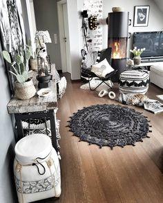 mentions J'aime, 141 commentaires - ᑕᒪᗩᑌᗪIᗩ ( - Boho Chic Living Room, Living Room Decor, Rustic Baby Rooms, Home Bedroom, Bedroom Decor, Home Decor Inspiration, Decor Ideas, Interiores Design, Home And Living