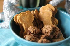 Two homemade dog treats recipes from me and @justeatlife!  #dogtreats #DIY #gift