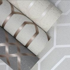 Quartz Trellis Geometric Wallpaper Copper and Charcoal Grey Fine Decor - World of Wallpaper - Wallpapers Designs Accent Wallpaper, 3d Wallpaper For Walls, Metallic Wallpaper, Geometric Wallpaper Copper, Papier Paint, Cream Bedrooms, Wall Design, Planer, Copper Decor