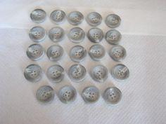 24 Stück Jackenknöpfe 4 Loch Grau mit Farbmuster,Durchmesser ca.23 mm,Neu,Lübecker Knopfmanufaktur von Knopfshop auf Etsy