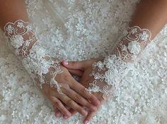Wedding  Bridal Glove,ivory lace gloves, Fingerless Glove,