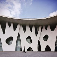 Exhibition Center Gran Via Fira de Barcelona Toyo via stoptheroc- barcelona, design, love