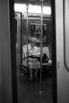 85mm street photography