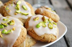 Lemon cookies with pistachios for the New Year! #cookies #Christmas Recipe here: https://twitter.com/