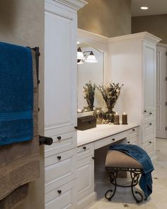 Make-up Vanity Design, Pictures, Remodel, Decor and Ideas - page 14