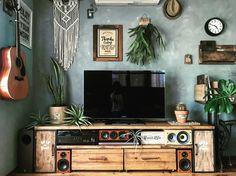 欲しいテレビボードが見つからなかったら!2個のボックスと2枚の板だけで収納抜群のテレビボードを作ろう!|LIMIA (リミア)
