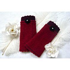 Romantische, in dunklem Rottönen gehaltene Armstulpen mit Tüllröschen und Vintage  Strassknöpfen♥