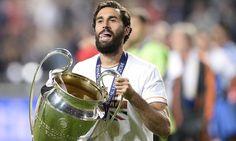 #Arbeloa    En sélection :    🏆Euro 2008  🏆Coupe du Monde 2010  🏆Euro 2012    Avec le Real Madrid :    🏆Copa del Rey 2011 & 2014  🏆Liga 2012  🏆Supercoupe d'Espagne 2012  🏆Ligue des Champions 2014 & 2016  🏆Supercoupe d'Europe 2014  🏆Mondial des Clubs 2014    👏 👏 👏