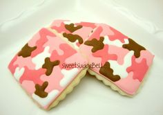 The Sweet Adventures of Sugarbelle: How to Make Camouflage Print on Cookies Camo Cookies, Iced Cookies, Cupcake Cookies, Sugar Cookies, Pink Cookies, Cookie Frosting, Sweet 16, How To Make Pink, Camo Birthday