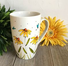 Painted Coffee Mugs, Hand Painted Mugs, Painted Cups, Ceramic Wall Art, Ceramic Painting, Ceramic Mugs, Pottery Painting Designs, Pottery Art, Easy Drawings For Kids