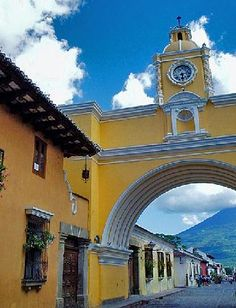 I'm headed to Guatemala 2nd semester! SO excited. This is in Antigua where I'll spend most of the next semester.