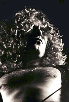 Robert Plant. Thanks to Frank Melfi for this photo. Frank is my fav R&R photographer <3